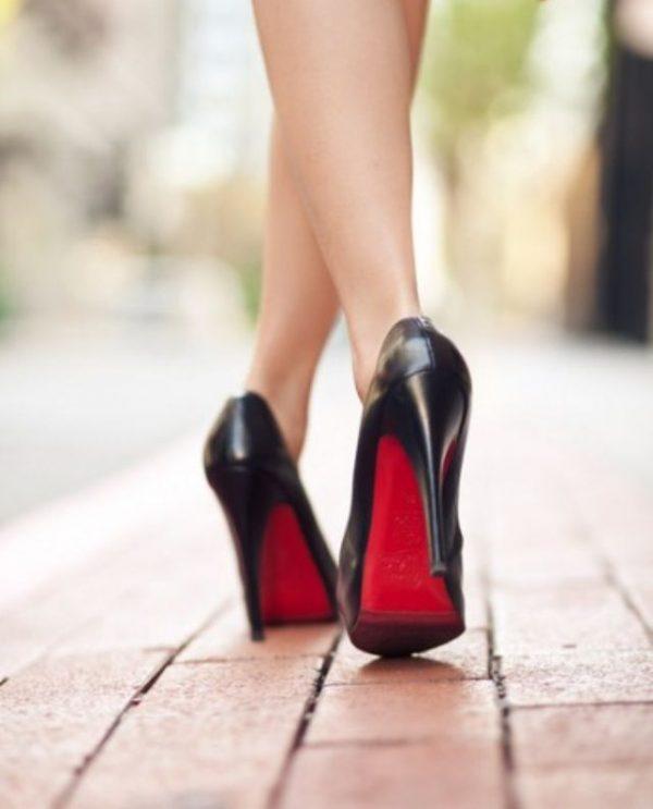 buy online daa72 26478 Louboutin scarpe: la suola rossa è un marchio | Amore Gossip